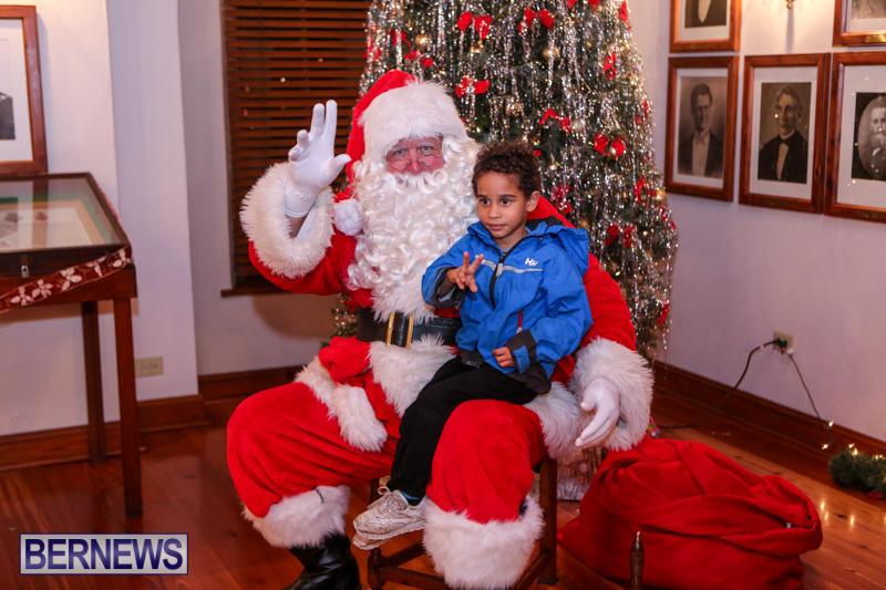 Santa-Claus-In-St-Georges-Bermuda-December-5-2015-45