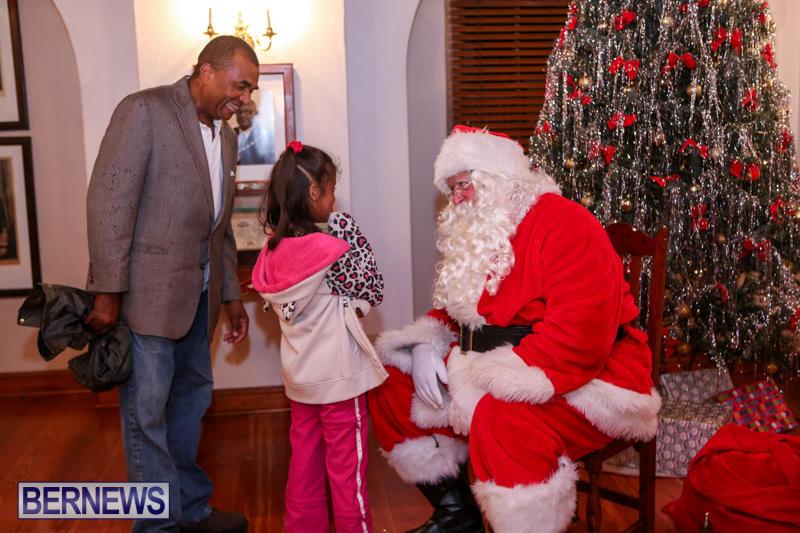 Santa-Claus-In-St-Georges-Bermuda-December-5-2015-46