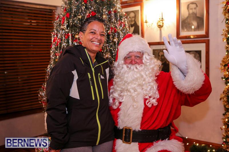 Santa-Claus-In-St-Georges-Bermuda-December-5-2015-49