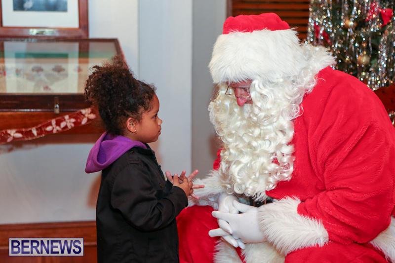 Santa-Claus-In-St-Georges-Bermuda-December-5-2015-5
