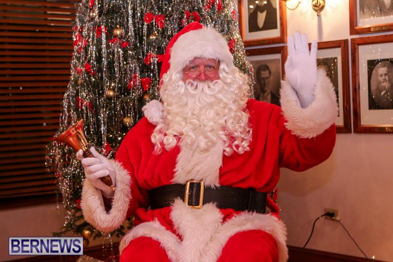Santa-Claus-In-St-Georges-Bermuda-December-5-2015-55