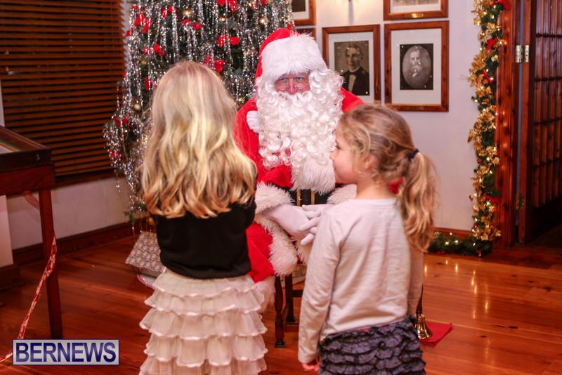Santa-Claus-In-St-Georges-Bermuda-December-5-2015-58