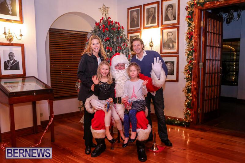 Santa-Claus-In-St-Georges-Bermuda-December-5-2015-60