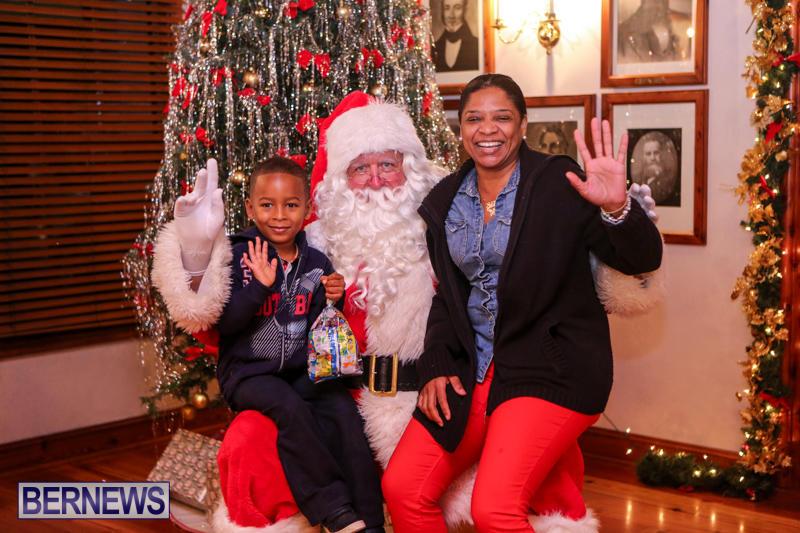 Santa-Claus-In-St-Georges-Bermuda-December-5-2015-67