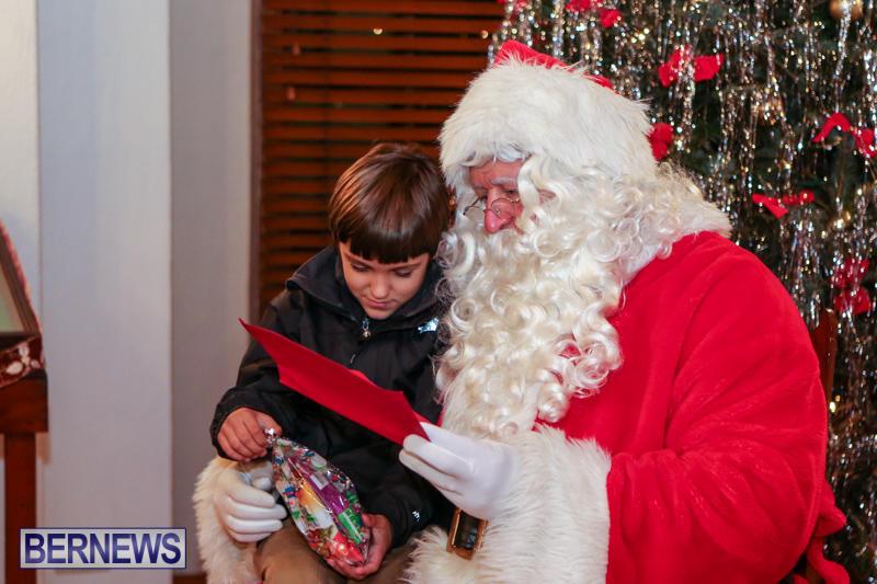 Santa-Claus-In-St-Georges-Bermuda-December-5-2015-7