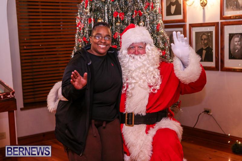 Santa-Claus-In-St-Georges-Bermuda-December-5-2015-71