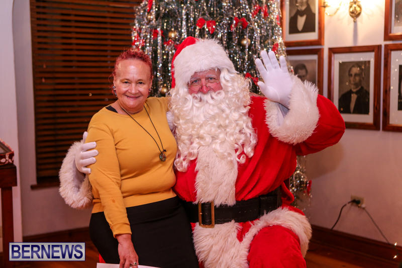 Santa-Claus-In-St-Georges-Bermuda-December-5-2015-73