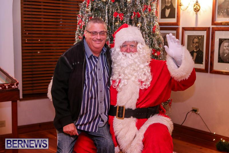 Santa-Claus-In-St-Georges-Bermuda-December-5-2015-76