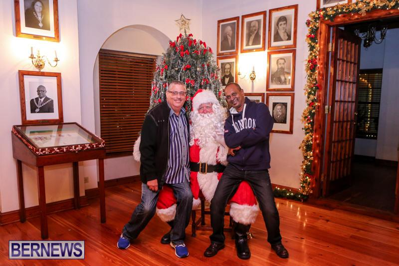 Santa-Claus-In-St-Georges-Bermuda-December-5-2015-77