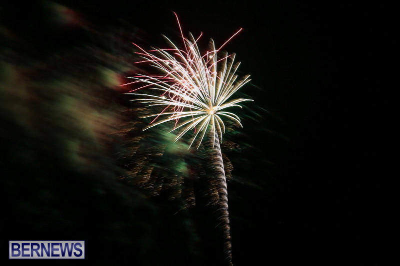 New-Years-Eve-Fireworks-St-Georges-Bermuda-December-31-2015-1