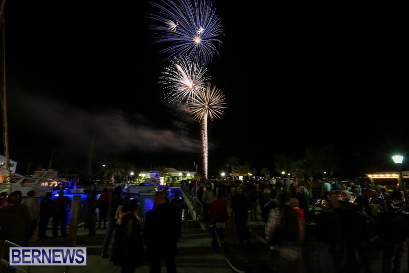 New-Years-Eve-Fireworks-St-Georges-Bermuda-December-31-2015-13