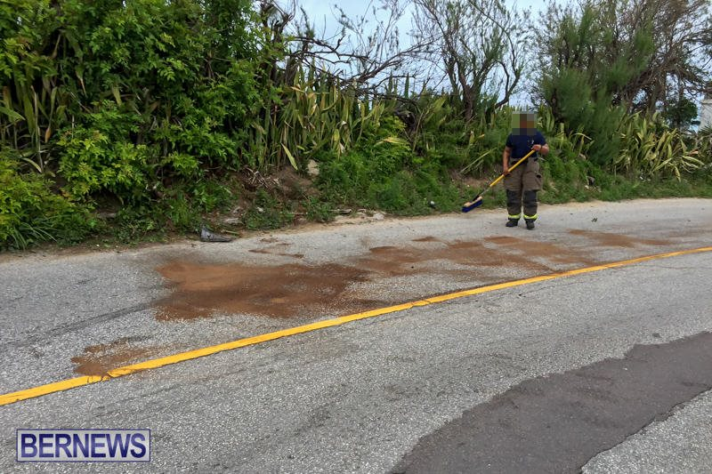 Car Collision Dock Hill Bermuda, March 28 2016-3