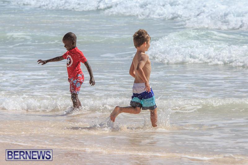 Horseshoe-Bay-Beach-Good-Friday-Bermuda-March-25-2016-30