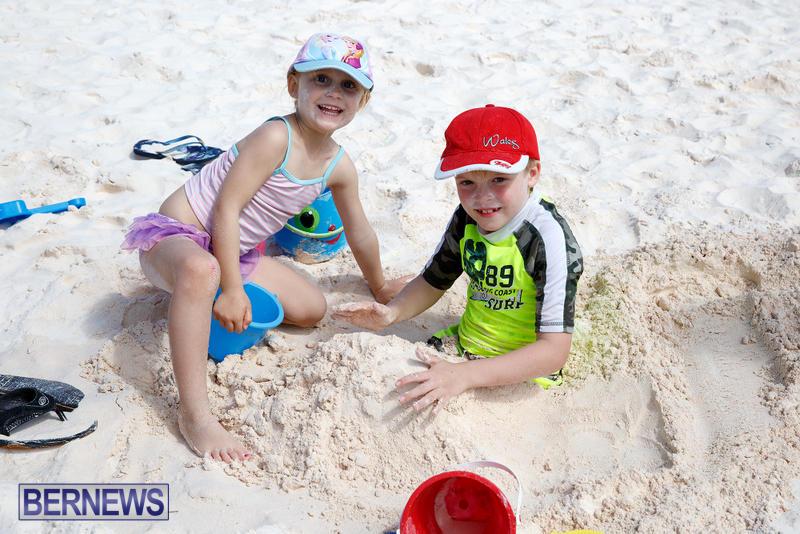 Horseshoe-Bay-Beach-Good-Friday-Bermuda-March-25-2016-70