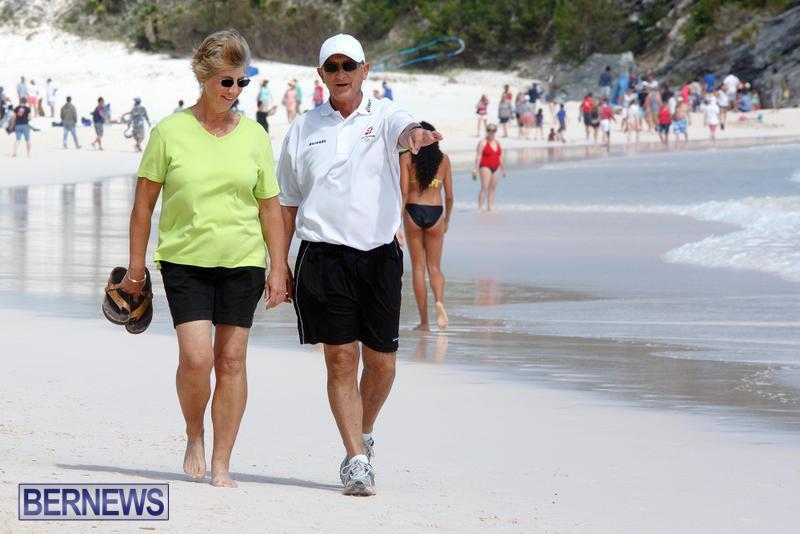 Horseshoe-Bay-Beach-Good-Friday-Bermuda-March-25-2016-85