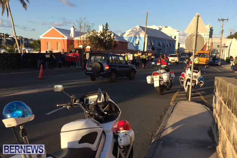 Protesters-On-East-Broadway-Bermuda-Mar-1-2016-10
