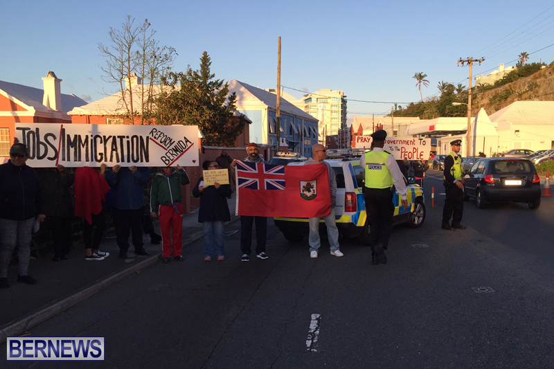 Protesters-On-East-Broadway-Bermuda-Mar-1-2016-11