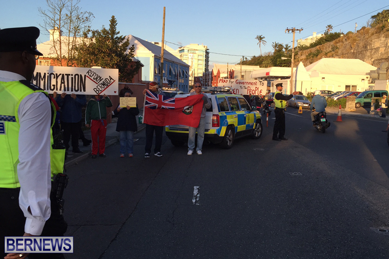 Protesters-On-East-Broadway-Bermuda-Mar-1-2016-12