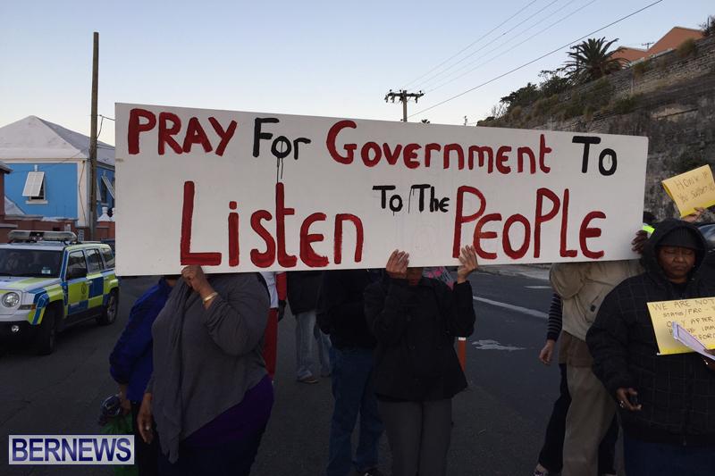 Protesters-On-East-Broadway-Bermuda-Mar-1-2016-20