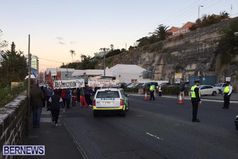 Protesters-On-East-Broadway-Bermuda-Mar-1-2016-22