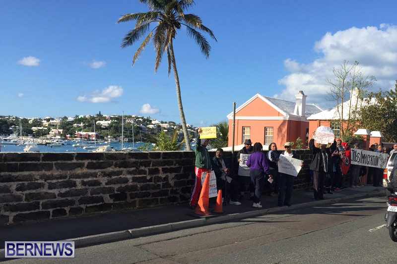 Protesters-On-East-Broadway-Bermuda-Mar-1-2016-34