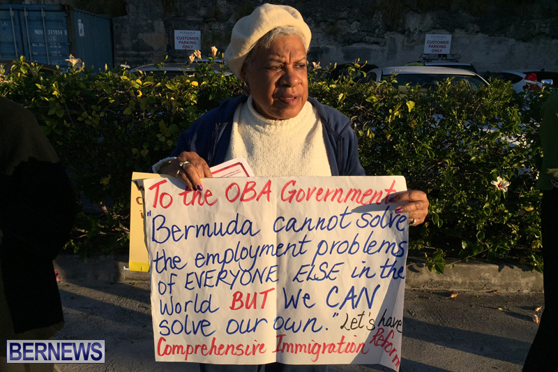 Protesters-On-East-Broadway-Bermuda-Mar-1-2016-5