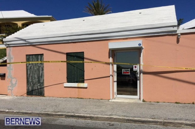 TL's Budget Warehouse Bermuda, March 24 2016 (3)