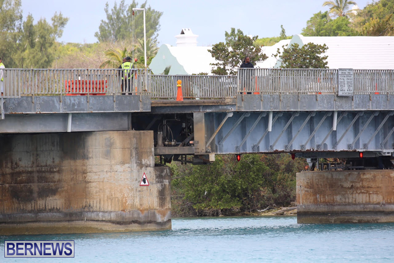swing-bridge-testing-march-2016-bermuda-16