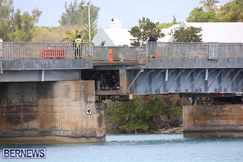 swing-bridge-testing-march-2016-bermuda-16