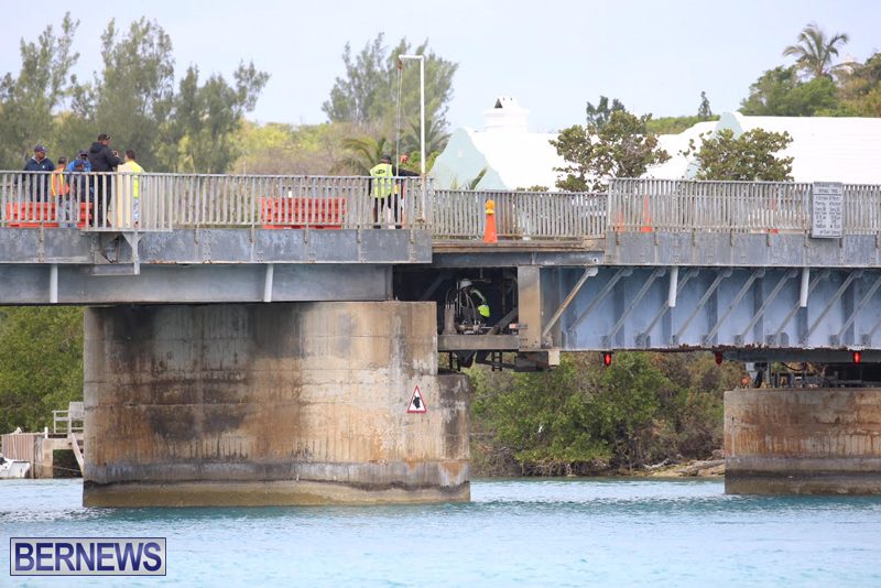 swing-bridge-testing-march-2016-bermuda-18