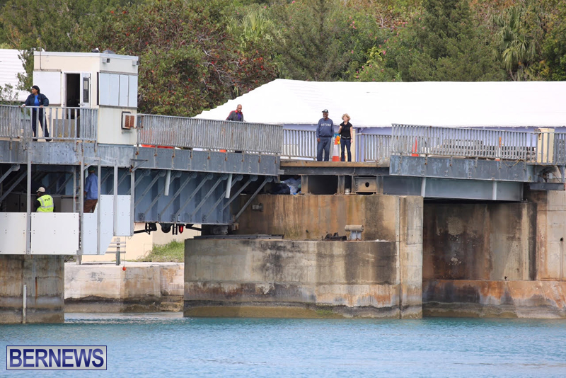 swing-bridge-testing-march-2016-bermuda-19
