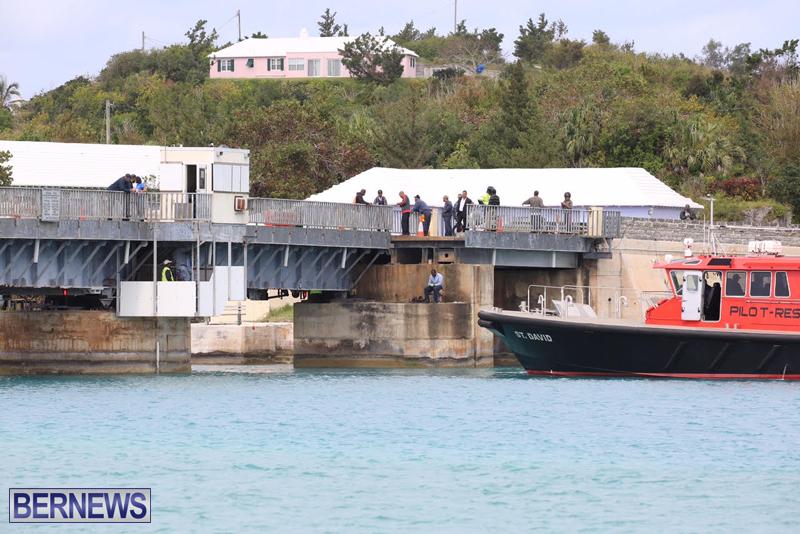 swing-bridge-testing-march-2016-bermuda-26