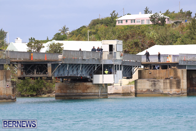 swing-bridge-testing-march-2016-bermuda-34