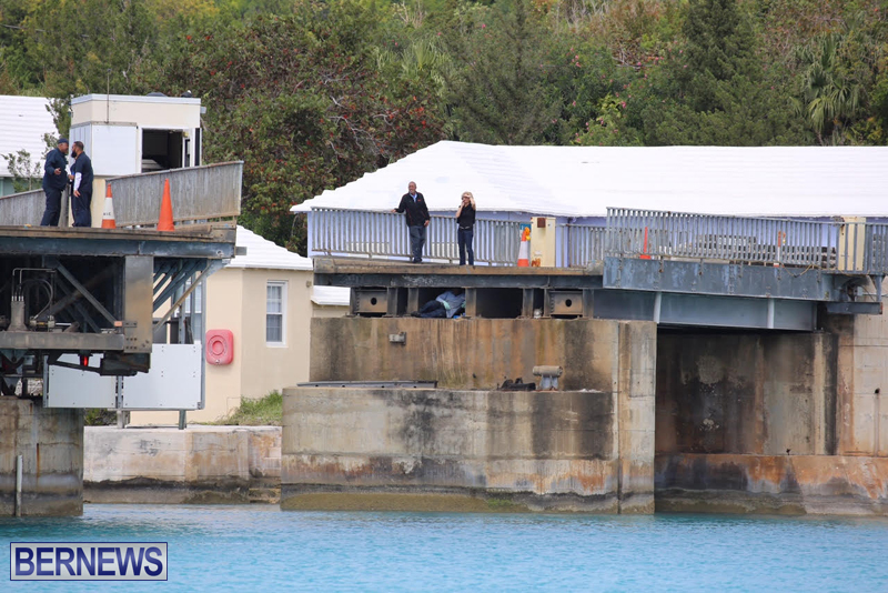 swing-bridge-testing-march-2016-bermuda-39