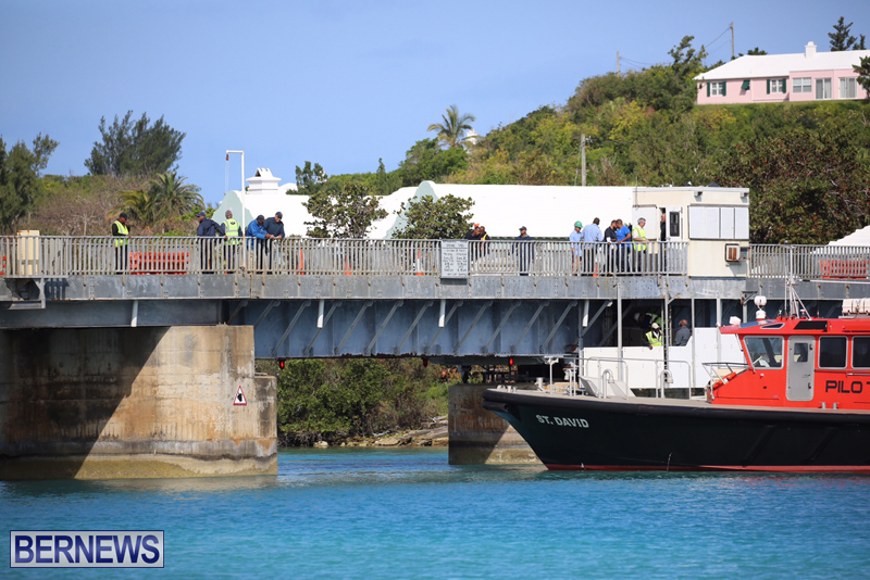 swing-bridge-testing-march-2016-bermuda-4