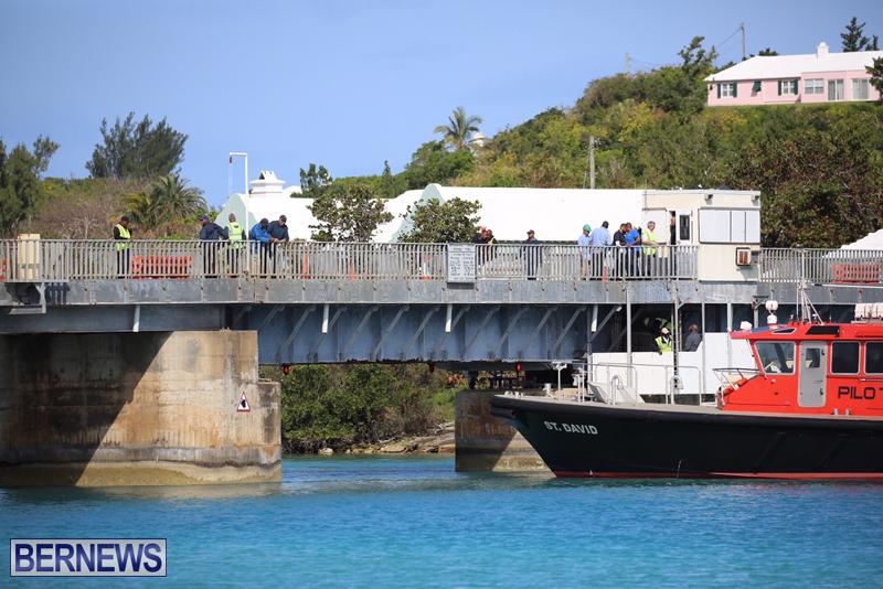 swing-bridge-testing-march-2016-bermuda-4