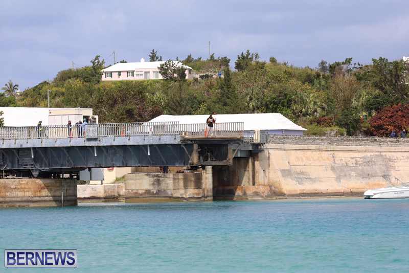 swing-bridge-testing-march-2016-bermuda-44