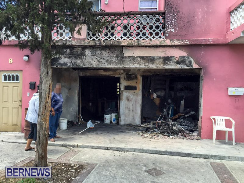 Cedar Avenue Fire Bermuda, April 26 2016-1a