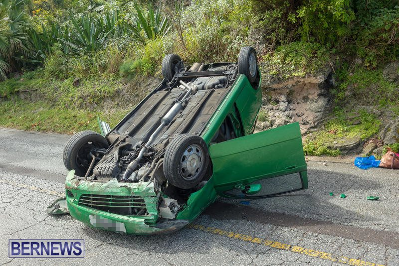 Flipped Car Somerset Bermuda, April 24 2016 (11)