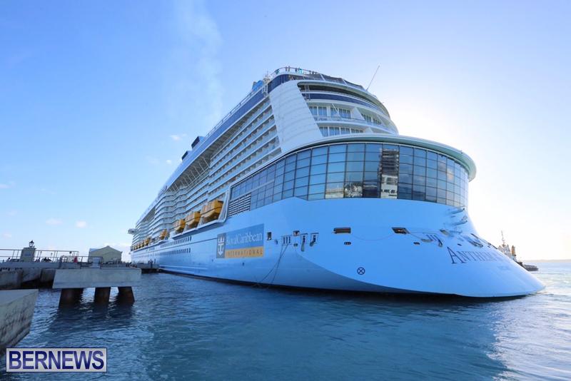 Anthem-of-Seas-cruise-ship-in-Bermuda-April-2016-10