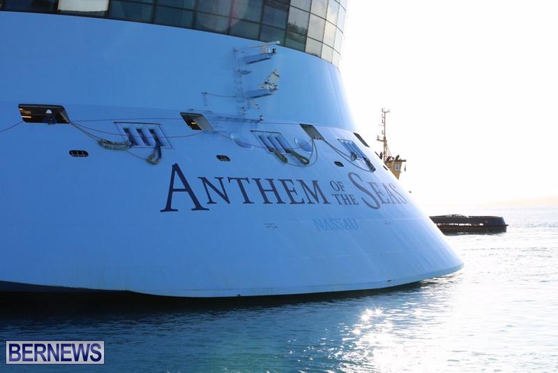 Anthem-of-Seas-cruise-ship-in-Bermuda-April-2016-13