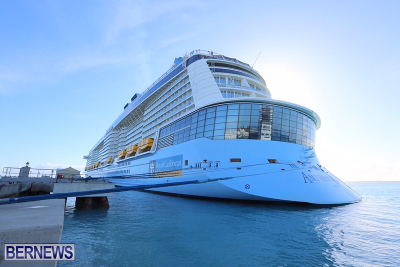 Anthem-of-Seas-cruise-ship-in-Bermuda-April-2016-14