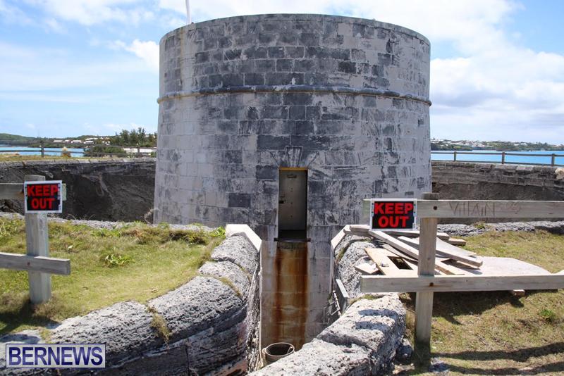 Martello-Tower-Bermuda-May-2-2016-1-4