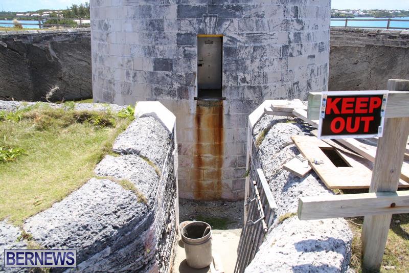 Martello-Tower-Bermuda-May-2-2016-1-5