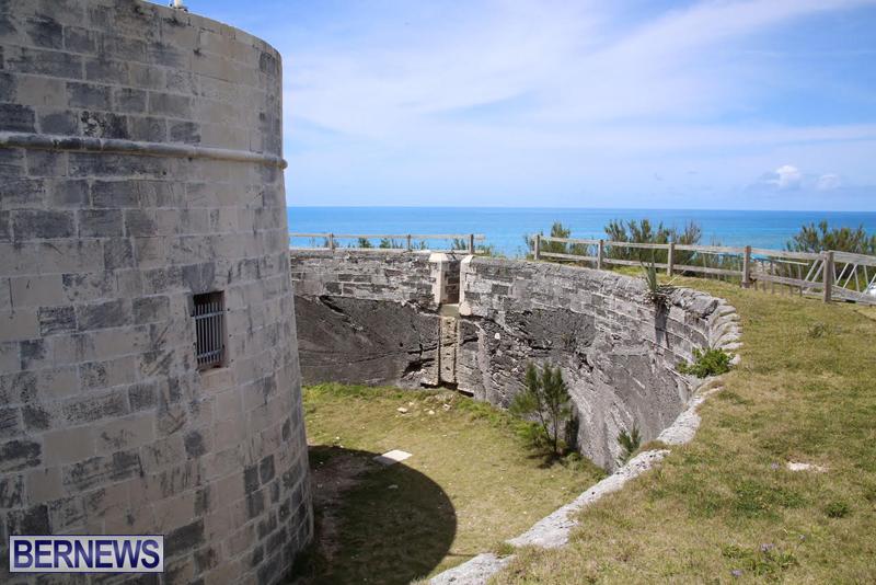 Martello-Tower-Bermuda-May-2-2016-1-6