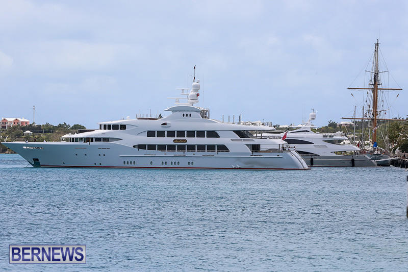 Mia-Elise-II-Super-Yacht-Bermuda-May-1-2016-001