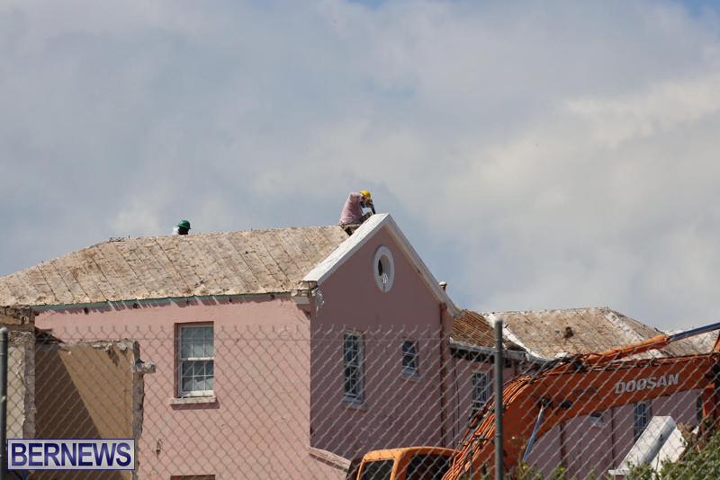 Victoria-Row-demolishing-Bermuda-May-2016-6