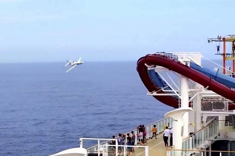 Norwegian Breakaway Plane Screenshot (1)