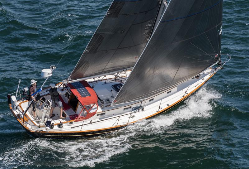 2016 Newport Bermuda Yacht Race START: YANKEE GIRLUSA 42899DH2xS. Zachary LeeDouble-Handed DivisionMorris Justine 36BlackNewport Marina42899x