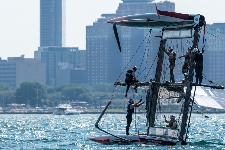 capsizes-at-2016-Chicago-Americas-Cup-on-June-10-1
